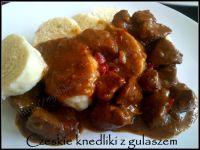 czeskie knedliki z gulaszem