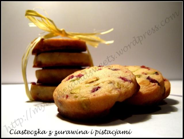 ciastka z żurawiną i pistacjami