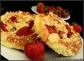 drożdżówki z rabarbarem, truskawką i kruszonką