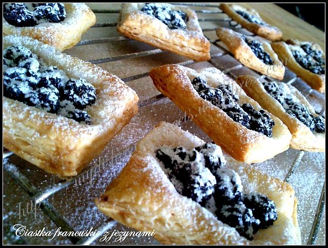 ciastka francuskie z jeżynami