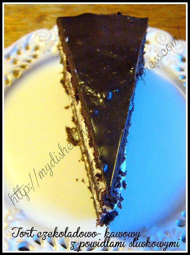 tort czekoladowo-kawowy z powidłami śliwkowymi