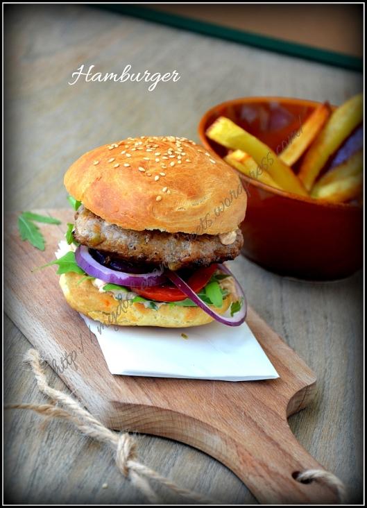 Hamburger z masłem orzechowym i domowymi frytkami