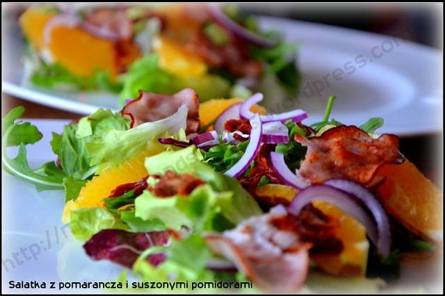 Sałatka z pomarańczą i suszonymi pomidorami