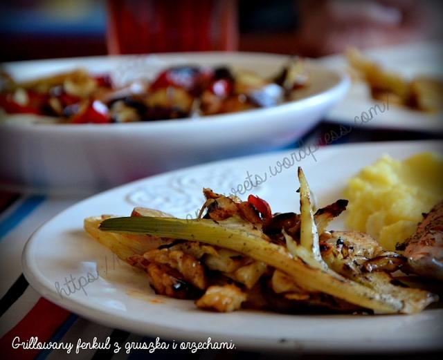grillowany fenkuł z gruszką i orzechami
